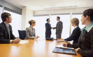 Принятие на общем собрании участниками ООО решения о реорганизации фирмы